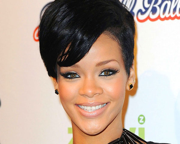 Rihannas Hair Styles: Rihanna Leads IHeartRadio Nominations